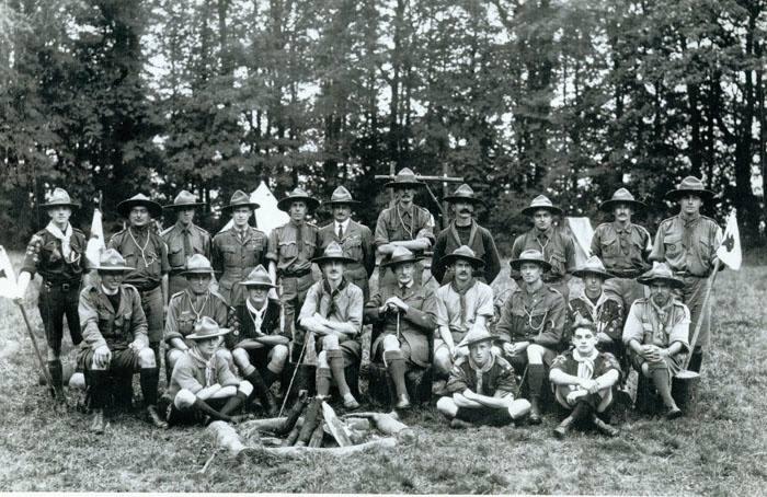 Première semaine de formation de chefs scouts à Gilwell Park en Angleterre.